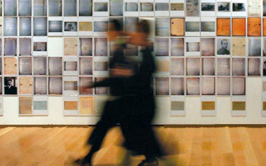 Arte y Archivo 1920-2010. Genealogías, Tipologías y Discontinuidades